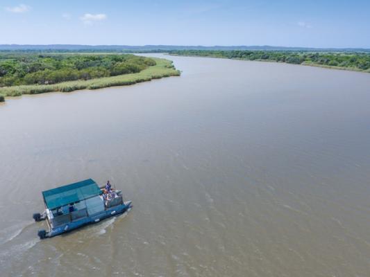 isimagaliso wetland park boat safari