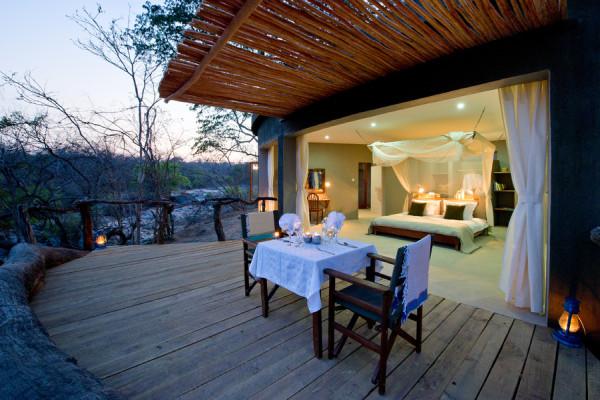 Private dining at Mkulumadzi Lodge