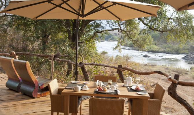 Breakfast at Mkulumadzi Lodge